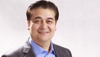 维吾尔青年表演艺术家和喜剧演员的表演大师克尤木.穆罕默德(Qeyum_Muhammad)